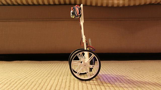 Monociclo Autobilanciato con Arduino: VertiBOT